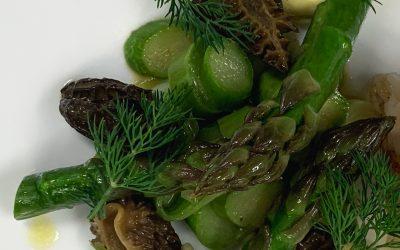 Cabillaud, Lardo di Colonnata, asperges vertes, morilles et sabayon au beurre noisette