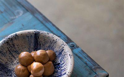 Andou de Georgiana Viou (boules d'arachide sucrées et épicées)